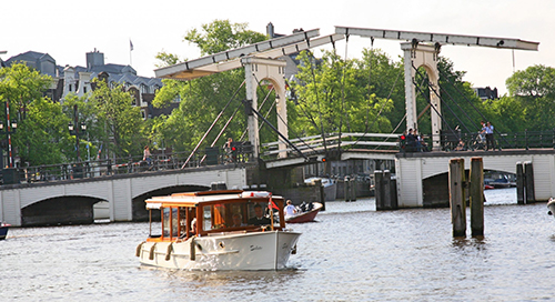 salute 5 - private canal cruises