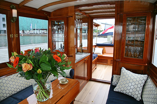 tailor-made cruise - private canal cruises